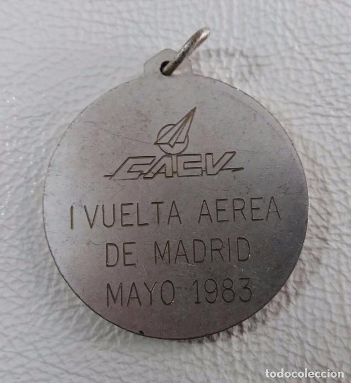 Trofeos y medallas: Medalla I vuelta aerea Madrid Mayo 1983 - Foto 2 - 102760287