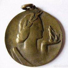 Trofeos y medallas: ANTIGUA MEDALLA DE BRONCE - GRABADO REVERSO GIMNASIA - 1962 3,50 CM DIAMETRO . RELIEVE. Lote 103624159