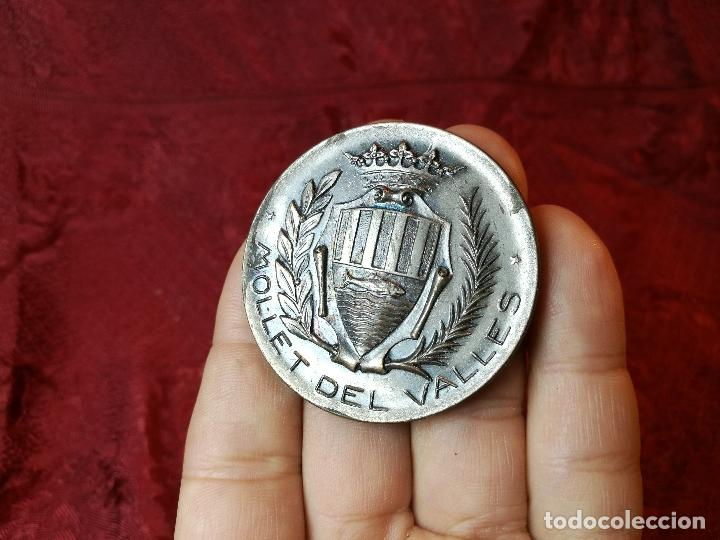 MONEDA MEDALLA CONMEMORATIVA INAGURACION PISTA DEPORTIVA MUNICIPAL MOLLET DEL VALLES-BARCELONA 1970 (Numismática - Medallería - Trofeos y Conmemorativas)
