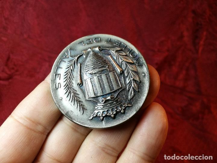 Trofeos y medallas: moneda medalla conmemorativa inaguracion pista deportiva municipal mollet del valles-barcelona 1970 - Foto 2 - 108391579