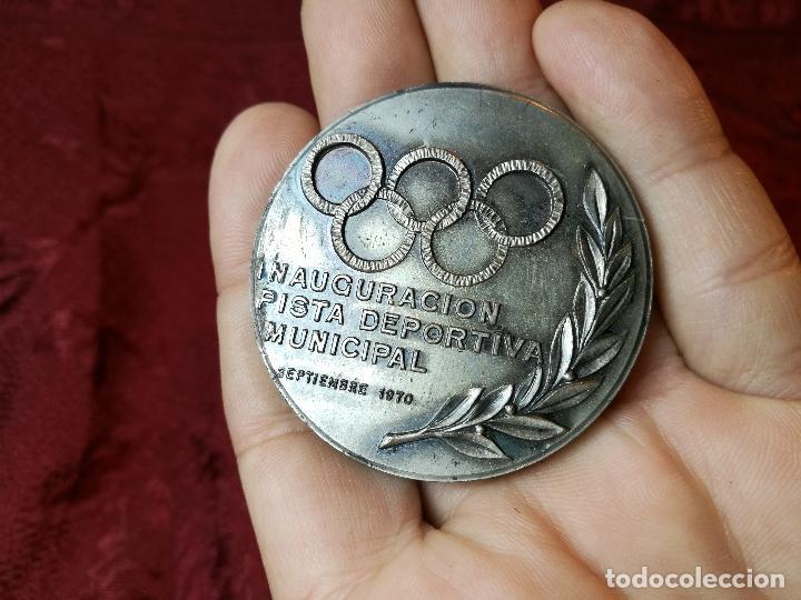 Trofeos y medallas: moneda medalla conmemorativa inaguracion pista deportiva municipal mollet del valles-barcelona 1970 - Foto 6 - 108391579