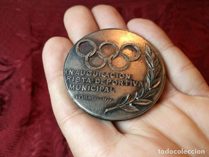 Trofeos y medallas: moneda medalla conmemorativa inaguracion pista deportiva municipal mollet del valles-barcelona 1970 - Foto 7 - 108391579