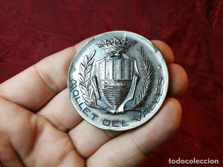 Trofeos y medallas: moneda medalla conmemorativa inaguracion pista deportiva municipal mollet del valles-barcelona 1970 - Foto 10 - 108391579