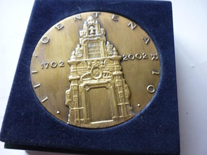 Trofeos y medallas: Medalla del III Centenario de la Caja de Ahorros y Monte de Piedad de Madrid - Franco Piquer - Foto 2 - 109496455