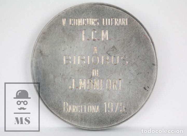 Trofeos y medallas: Medalla Conmemorativa - Ángel Guimerá. V Concurs Literari Bibiobus de J. Monfort. Barcelona, 1975 - Foto 5 - 109761139
