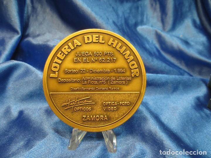 Trofeos y medallas: MEDALLA DE BRONCE LOTERIA DEL HUMOR 1994 STA MARIA DE AZOQUE BENAVENTE - Foto 3 - 110443559