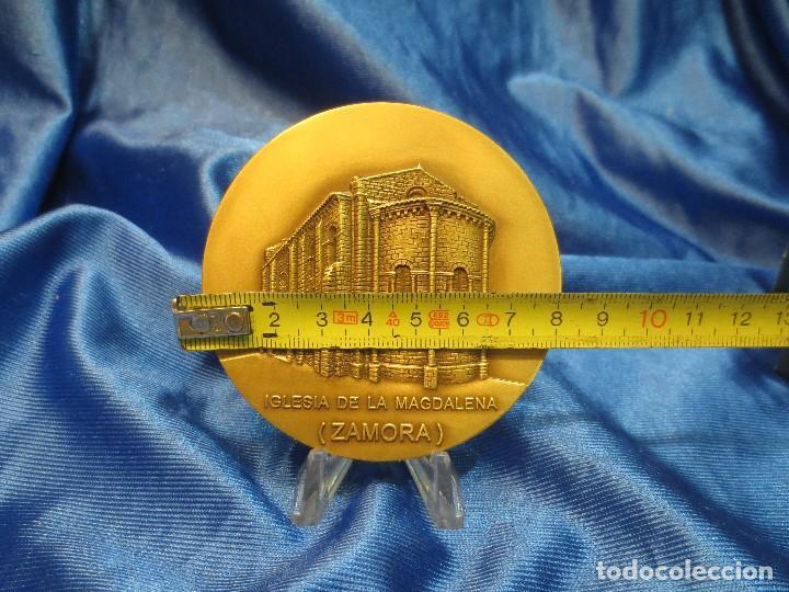 Trofeos y medallas: MEDALLA DE BRONCE DE LA LOTERIA DEL HUMOR DE 1995 IGLESIA LA MAGDALENA ZAMORA - Foto 2 - 110443835