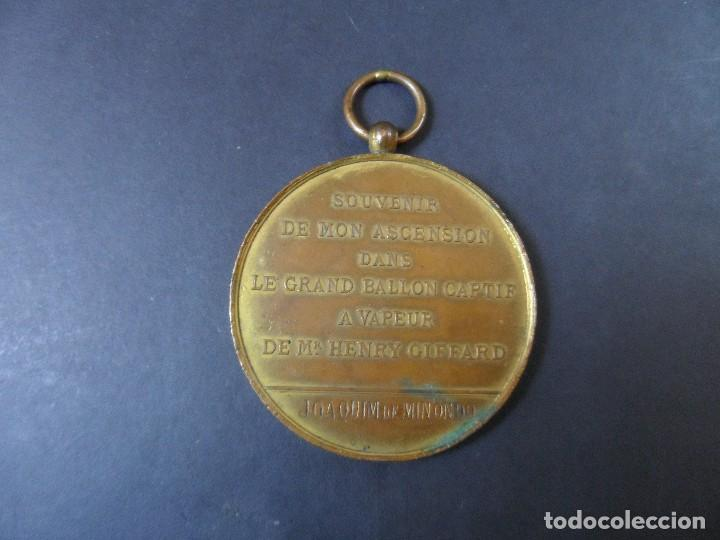 Trofeos y medallas: MEDALLA SOUVENIR DE MON ASCENSION DANS LE GRAND BALLON CAPTIF A VAPEUR .EXPOS. UNIVERSAL PARIS 1878 - Foto 3 - 110732759