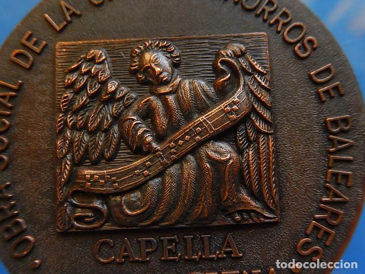 MEDALLA. OBRA SOCIAL DE LA CAJA DE AHORROS DE BALEARES. CAPELLA MALLORQUINA. MALLORCA. (Numismática - Medallería - Trofeos y Conmemorativas)