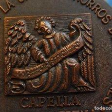 Trofeos y medallas: MEDALLA. OBRA SOCIAL DE LA CAJA DE AHORROS DE BALEARES. CAPELLA MALLORQUINA. MALLORCA.. Lote 111526731