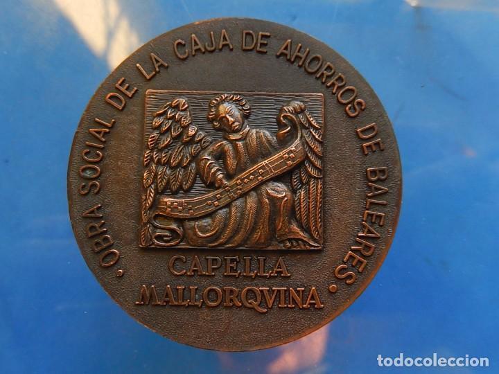Trofeos y medallas: Medalla. Obra Social de la Caja de Ahorros de Baleares. Capella Mallorquina. Mallorca. - Foto 3 - 111526731