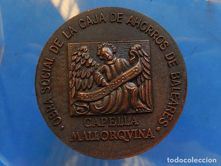 Trofeos y medallas: Medalla. Obra Social de la Caja de Ahorros de Baleares. Capella Mallorquina. Mallorca. - Foto 5 - 111526731