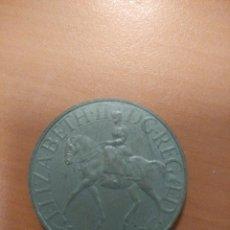 Trofeos y medallas: MONEDA CONMEMORATIVA DE LA REINA ELIZABETH II DE INGLATERRA 1977. Lote 114123675