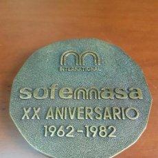 Trofeos y medallas: MEDALLA SOFEMASA INTERNACIONAL XX ANIVERSARIO 1962 1982 - BRONCE. Lote 115081695