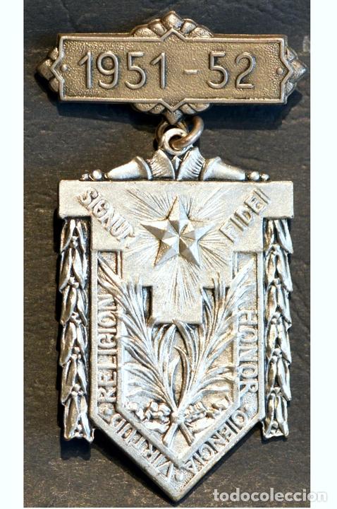 Trofeos y medallas: ANTIGUA MEDALLA AL MERITO ESCOLAR BARCELONA 1951 - 1952 COLEGIO LA SALLE LA BONANOVA - Foto 3 - 71066121