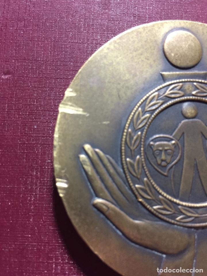 Trofeos y medallas: Medalla: Caja de Ahorros de Cádiz.(Primer Centenario). - Foto 3 - 117838267