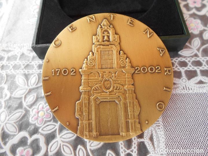 Trofeos y medallas: Medalla centenario de Franco Piquer Caja de ahorros y Monte de Piedad de Madrid Diametro 8 cms CAJA - Foto 3 - 118404347