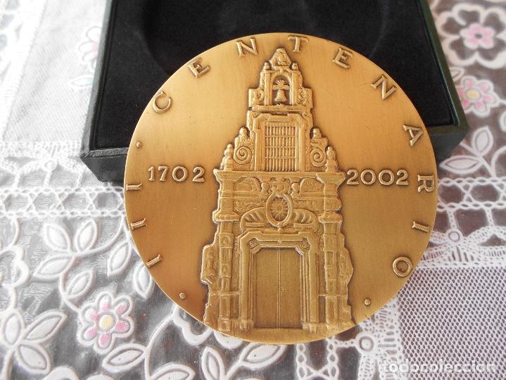 Trofeos y medallas: Medalla centenario de Franco Piquer Caja de ahorros y Monte de Piedad de Madrid Diametro 8 cms CAJA - Foto 6 - 118404347