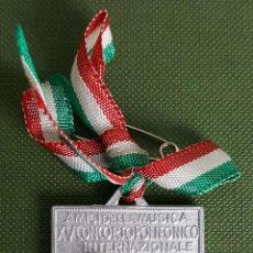 Trofeos y medallas: MEDALLA DE METAL PLATEADO. XV CONCURSO POLIFONICO GUIDO D'AREZZO. MOLINS DE REY. 1967. . Lote 118780707