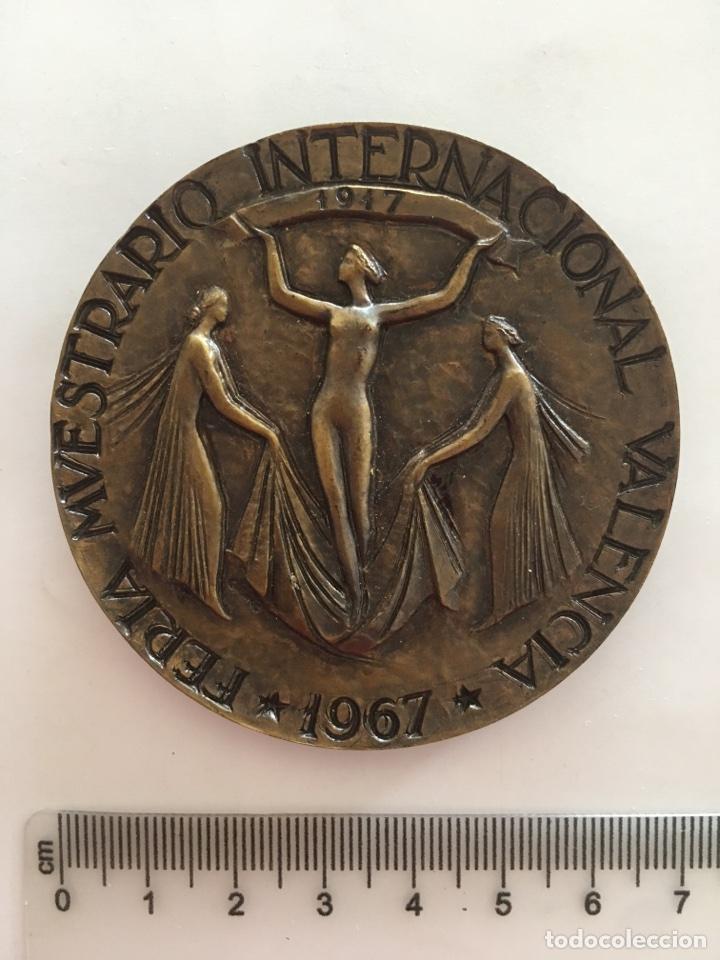 MEDALLA. FERIA MVESTRARIO INTERNACIONAL VALENCIA 1917 - 1967 / CINCVENTENARIO DE LA FVNDACION. (Numismática - Medallería - Trofeos y Conmemorativas)