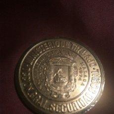 Trofeos y medallas: MEDALLA INAUGURACIÓN MALAGA MINISTERIO DE TRABAJO 1974. Lote 119135508