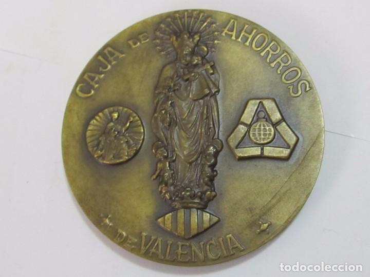Trofeos y medallas: MEDALLA CONMEMORATIVA DE BRONCE, CENTENARIO CAJA DE AHORROS DE VALENCIA (1878 - 1978) - Foto 2 - 119967927
