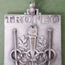 Trofeos y medallas: MEDALLA DE METAL PLATEADO. TROFEO FRANCISCO ROIG VENTURA. 1954. . Lote 122521331