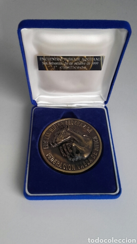 ESPECTACULAR MEDALLA HÍPICA EN SU ESTUCHE ORIGINAL. FVH. (Numismática - Medallería - Trofeos y Conmemorativas)