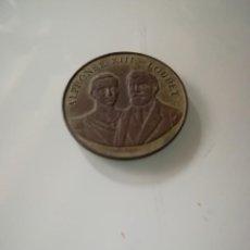 Trophies and Medals - Medalla conmemorativa de bronce, visita de Alfonso XIII en Paris, 1905 - 132311182