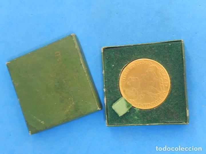 Trofeos y medallas: Ficha / Medalla / Moneda publicitaria. Aneurol. Lacer. Acuñada en 1964. - Foto 2 - 135376134