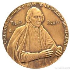 Trofeos y medallas: GRAN MEDALLA EN BRONCE FRANCISCO PIQUER 2002 CAJA EXPOSITOR III CENTENARIO MADRID F.N.M.T. Lote 114316203