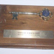 Trofeos y medallas: PRESENTE HONORIFICO - LLAVE DE LA CIUDAD DE JERSEY - CITY OF JERSEY - JERRAMIAH T. HEALY MAYOR. Lote 137131026