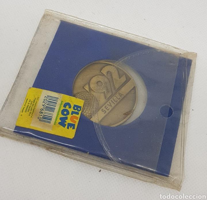 Trofeos y medallas: Medalla expo 92 - la cartuja sevilla - car119 - Foto 3 - 137356280