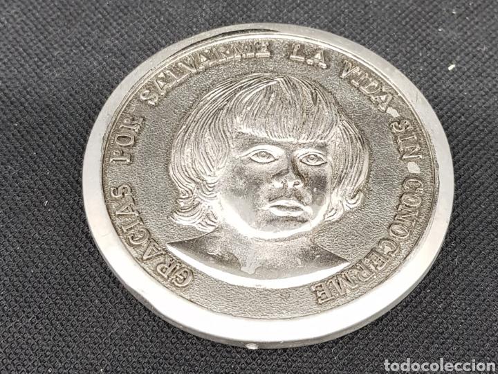 MEDALLA CONMEMORATIVA - DONANTES DE SANGRE - 6 CM DIAMETRO - CAR31 (Numismática - Medallería - Trofeos y Conmemorativas)