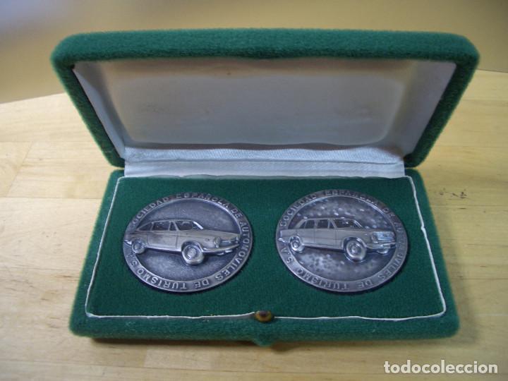 SEAT 124 Y 850 COUPE MEDALLA CONMEMORATIVA COCHE DEL AÑO 1967 - 68 1968 – 1969 MEDAL (Numismática - Medallería - Trofeos y Conmemorativas)