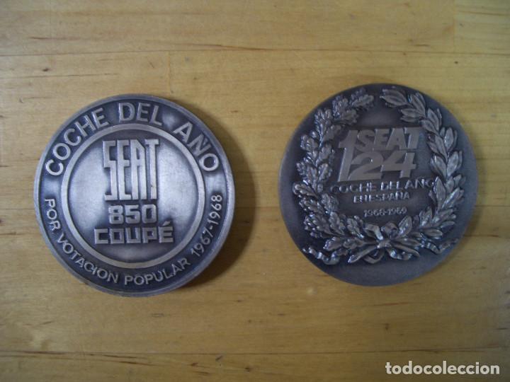 Trofeos y medallas: SEAT 124 y 850 COUPE MEDALLA CONMEMORATIVA COCHE DEL AÑO 1967 - 68 1968 – 1969 MEDAL - Foto 3 - 140155466