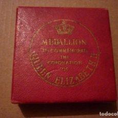 Trofeos y medallas: MEDALLA CONMEMORATIVA DE LA CORONACION DE ISABEL II DE INGLATERRA 1953. Lote 140447586