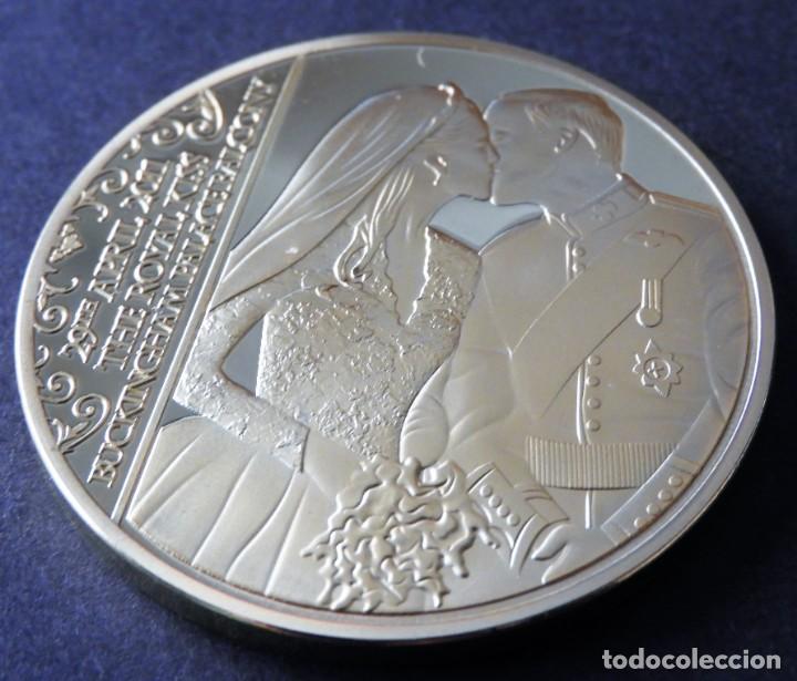 Trofeos y medallas: MONEDA Boda Real - Príncipe WILLIAMS - CATHERINE - CONMEMORATIVA - EN ORO Y PLATA 24 KILATES - Foto 2 - 155151934