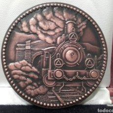 Trofeos y medallas: RENFE, MEDALLA INAGURACION DE LA COMUNICACIÓN FERROVIARIA LEON - ASTURIAS. CENTENARIO 1884-1984. Lote 161339264