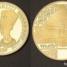 Trofeos y medallas: MEDALLA ORO TIPO MONEDA HOMENAJE A NEFERTITI REINA DEL ANTIGUO EGIPTO - PESA 28,20 GRA - Nº1. Lote 202037357