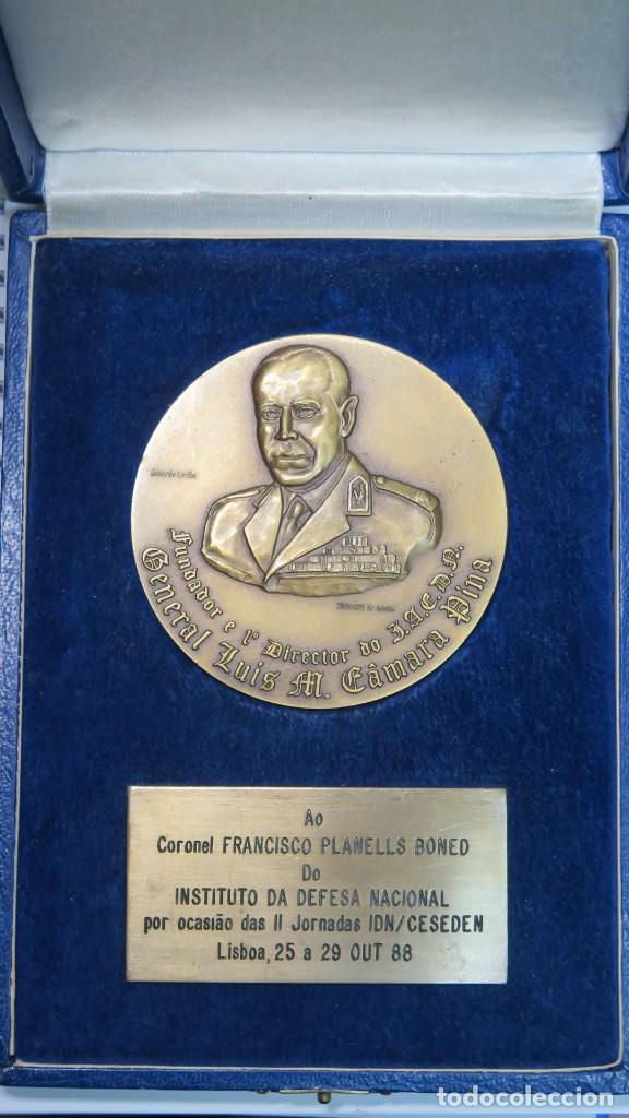 MEDALLA DEL INSITUTO DA DEFESA NACIONAL. GENERAL LUIS M. CAMARA PINA. LISBOA (Numismática - Medallería - Trofeos y Conmemorativas)