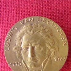 Trofeos y medallas: MEDALLA CONMEMORATIVA. LUDWIG VAN BEETHOVEN. CALICO 1969. Lote 169207764