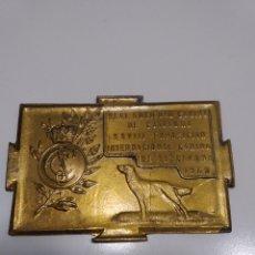Trofeos y medallas: PLACA MEDALLA PERRO REAL SOCIEDAD CANINA DE CATALUÑA EXPOSICIÓN CANINA DE BARCELONA 1960. Lote 170079073