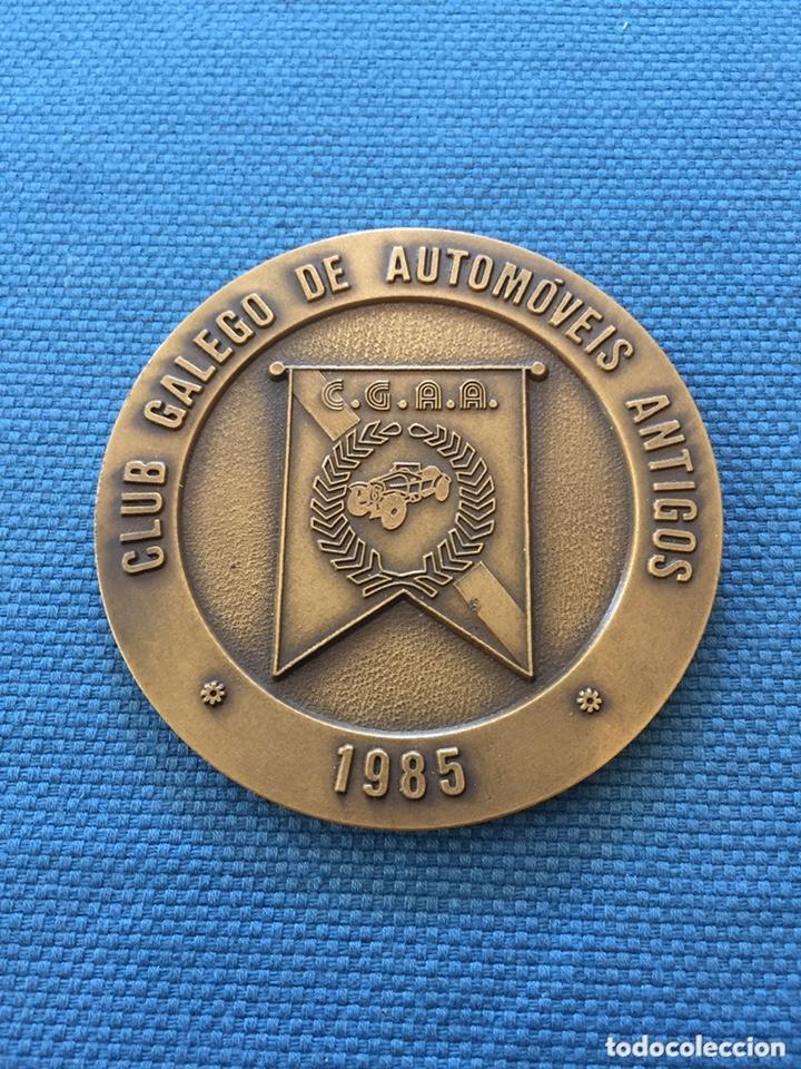 MEDALLA CLUB GALEGO AUTOMOVILES ANTIGOS 1985.C.G.A.A (Numismática - Medallería - Trofeos y Conmemorativas)