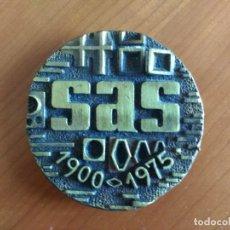 Trofeos y medallas: MEDALLA CONMEMORATIVA DEL 75 ANIVERSARIO DE LA EMPRESA SAS (1900-1975). Lote 173929229