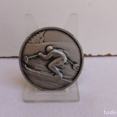 Trofeos y medallas: MEDALLA DE BRONCE CAMPEONATO DE ESQUI EN LA SAMBUY. Lote 175343915