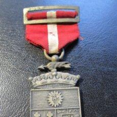 Trofeos y medallas: MEDALLA PLATEADA EPOCA DE FRANCO - COLEGIO DE SAN ESTANISLAO MALAGA DELEGADO. Lote 178655710