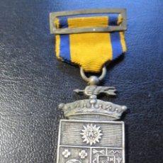 Trofeos y medallas: MEDALLA PLATEADA EPOCA DE FRANCO - COLEGIO DE SAN ESTANISLAO MALAGA DELEGADO. Lote 178655856