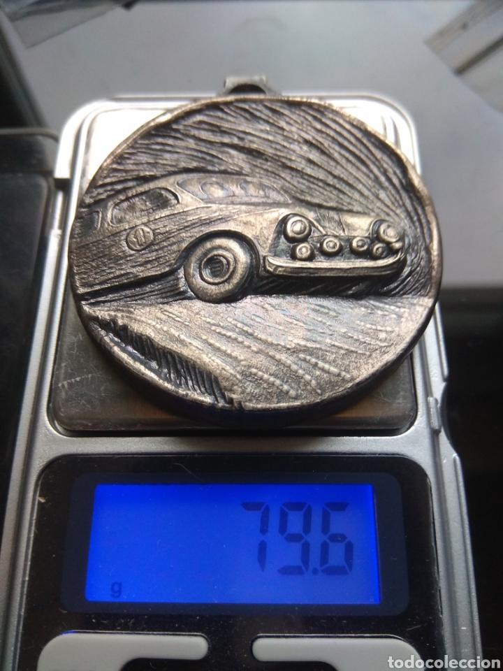 Trofeos y medallas: Bonita medalla con relieves de carrera automóviles rallye. - Foto 2 - 182149756