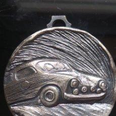Trofeos y medallas: BONITA MEDALLA CON RELIEVES DE CARRERA AUTOMÓVILES RALLYE.. Lote 182149756